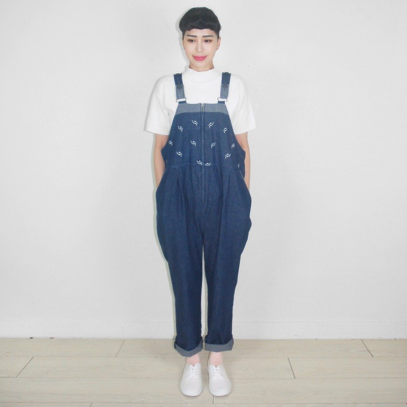 Small flower embroidery one-piece denim vintage strap trousers AY9023