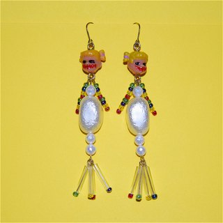 [SMALL POTATO] original hand-made Harajuku dark girl baby ghost big pearl body cute earrings