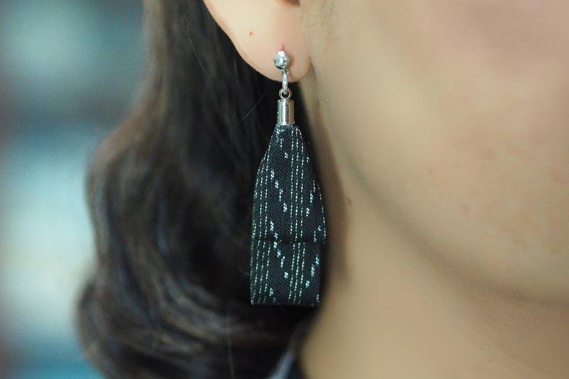絲帶耳環 - 黑色