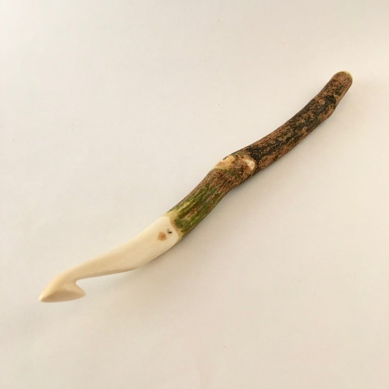 9mm M-13 楓木 木製鉤針 原木手作 天然塗裝 禮物 編織 職人 工具 Maple wood crochet hook Gift Tool