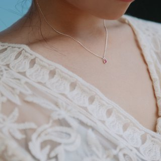 By chance - silver necklace / pink