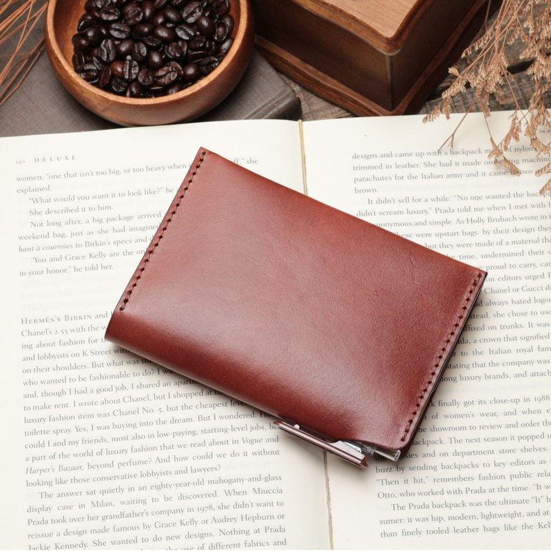 Retro coffee red hand-dyed vegetable-tanned cow leather handmade passport holder