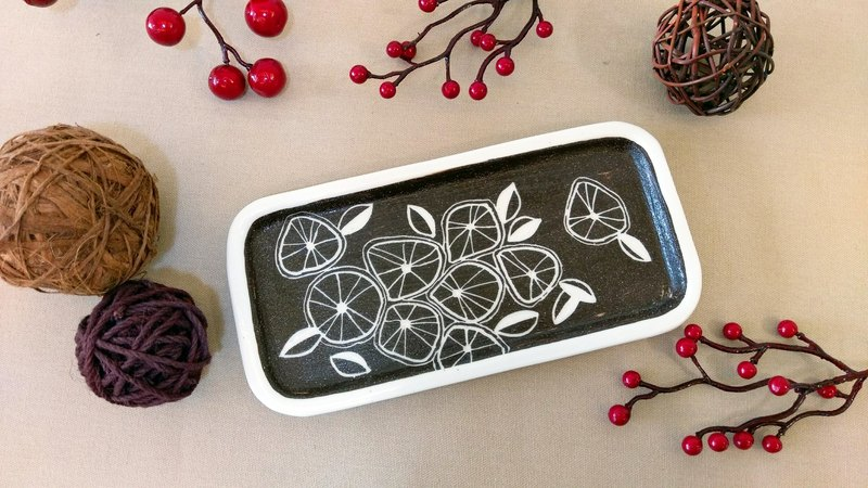 Hand Pinch Square Plate Engraved Series Lemon Slices