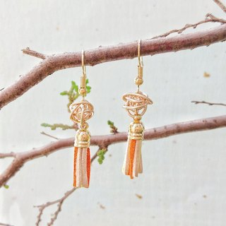 Warm orange tassel earrings can change ear clip