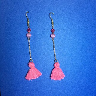Small peach - pink tassel earrings clip-on can be changed :: Earrings / one pair / two limit / fishing brass earrings / gift custom designs