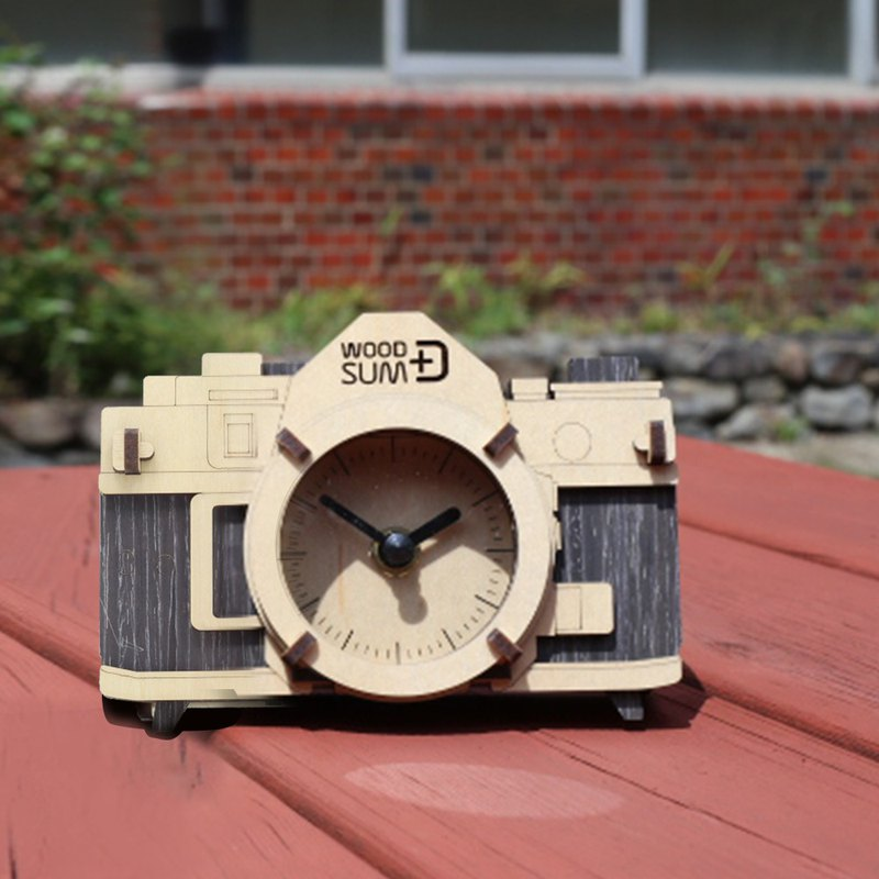 Light handwork. Wooden model / retro camera clock / black models
