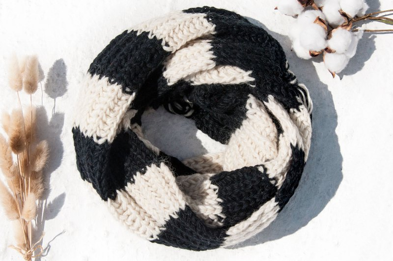 Hand-knitted pure wool scarf / knitted scarf / crocheted striped scarf / hand-knitted scarf-black and white stripes