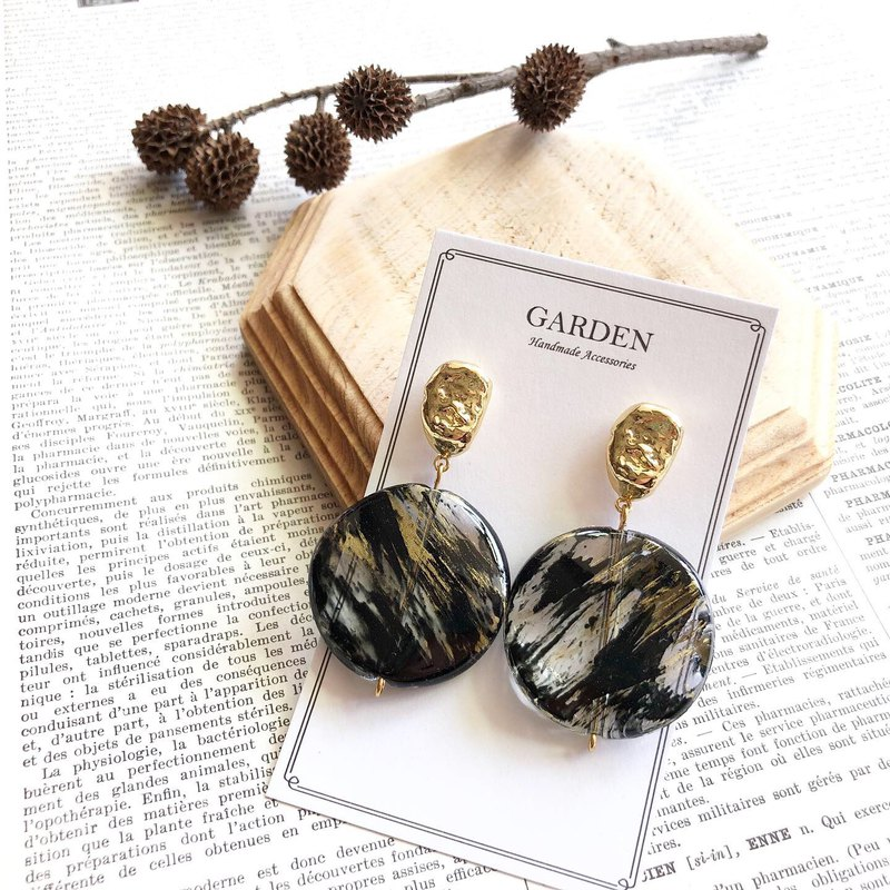 Brush resin earrings