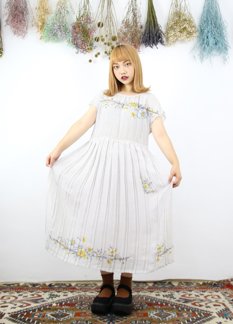 Back to Green:: 網點 削肩 不飽和花 vintage dress (DS-13)