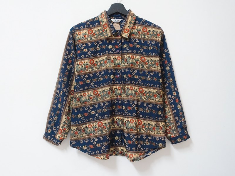 Awhile for a while | Vintage long sleeve shirt no.26