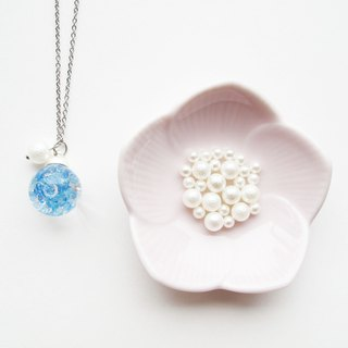 *Rosy Garden*Light blue crystal water inside glass ball necklace (1.6cm diameter)