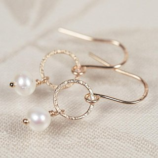 14KGF Moon Pearl Earrings