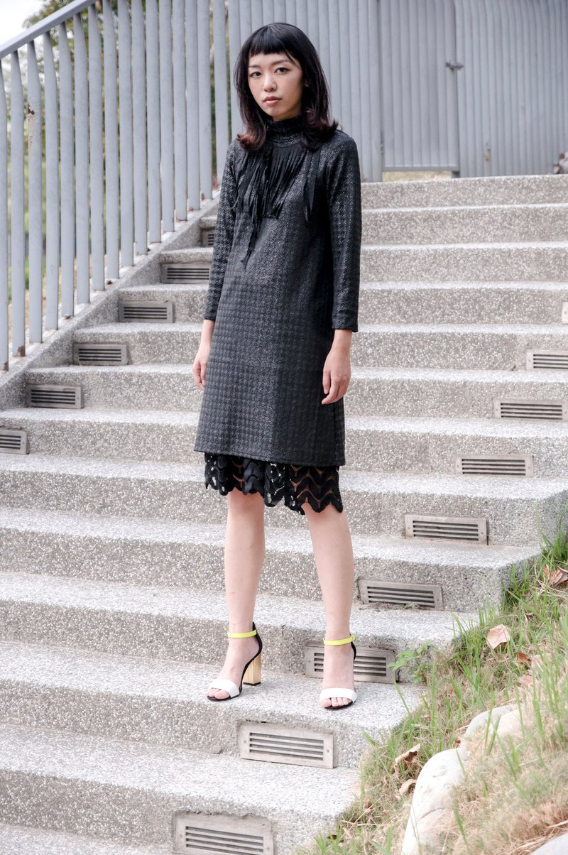 Mu Xu: thousands of birds black gold onion high elastic collar dress
