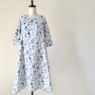 Small flowers and birds flare dress * Soft double gauze * 100% cotton * white × sky blue