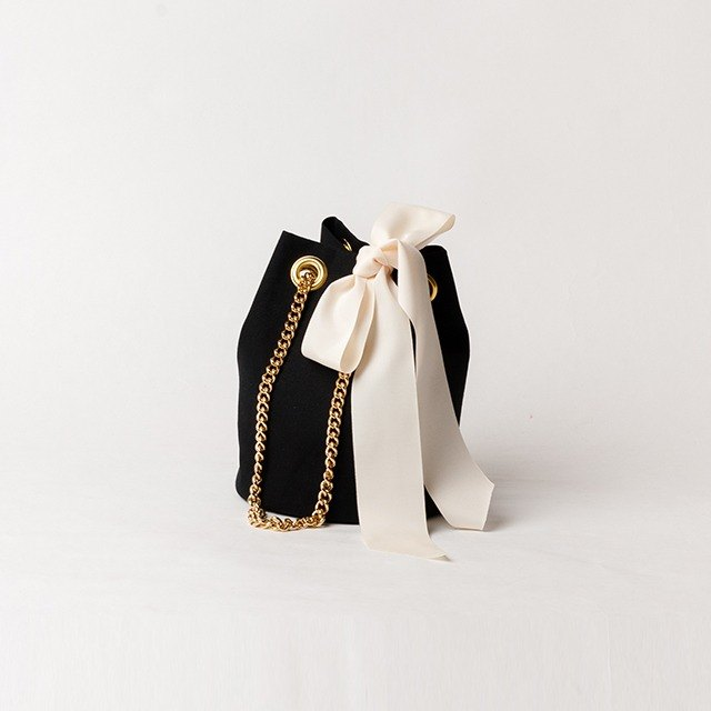 GOLD CHAIN ​​POCHETTE - BLACK