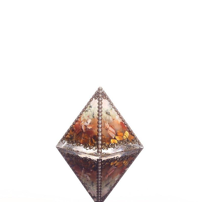 火焰聖壇-奧剛超大金字塔Orgonite水晶礦石財富、招財、氣場保護