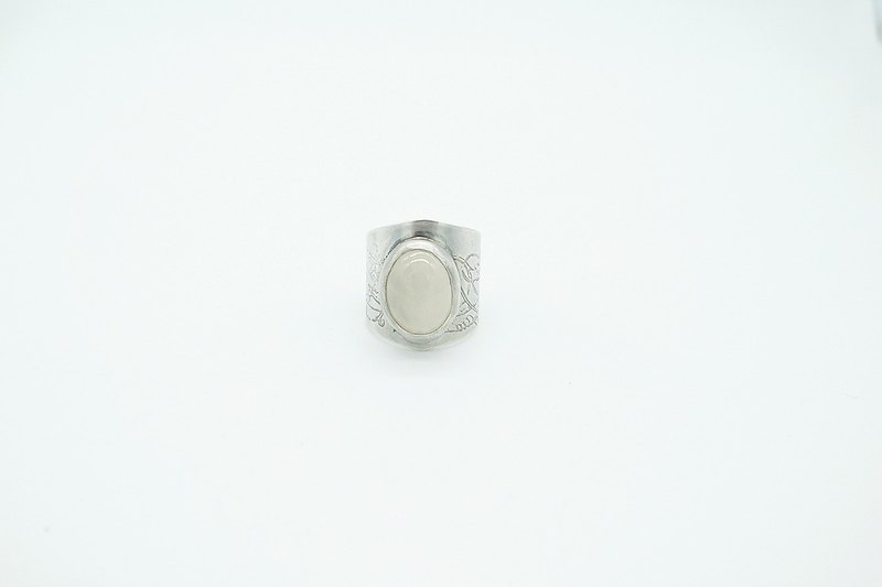 Handmade Sterling Silver Victorian Pattern CigarBand Ring with White Agate