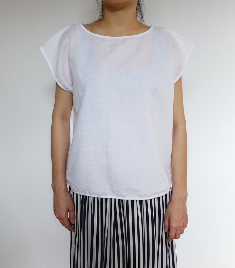 Small sleeves white cotton top