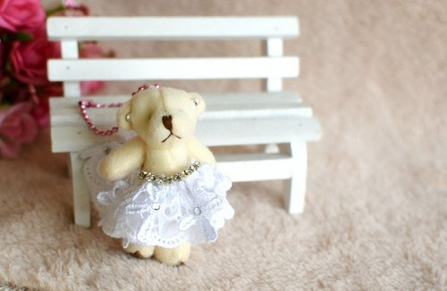 Silk dress bear strap / key ring (white lace)