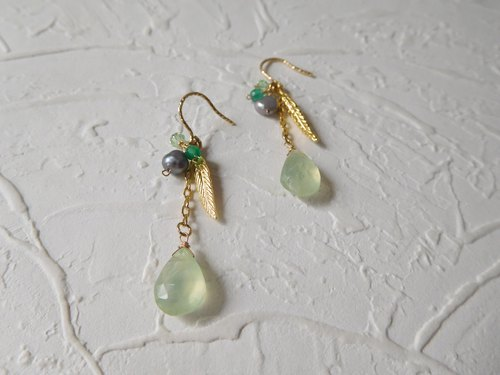 Bag 14K Gold Hook Feather Grape Earrings Can Be Changed