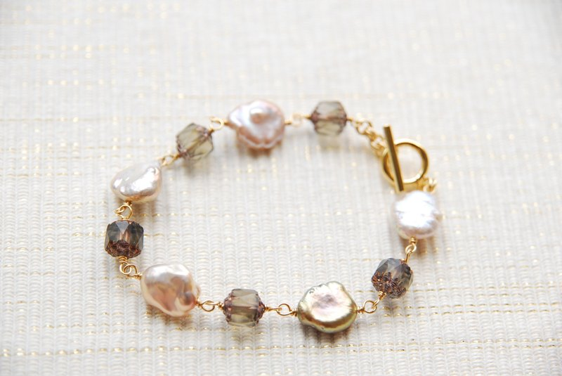 Mauve pink pearl and the Czech beads bracelet (gray)