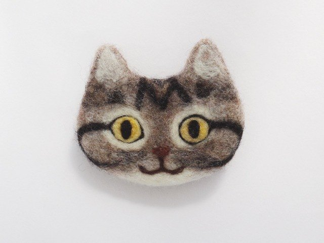 cat face felt brooch [brown tabby]