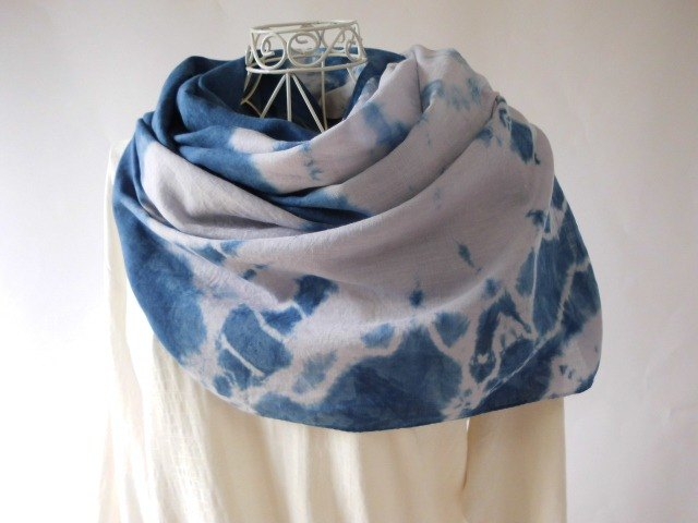Smooth linen · natural indigo × log wood · fireworks · tie-dyed · large format long stall