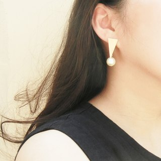 *Coucoubird*Triangle pendant pearl earrings