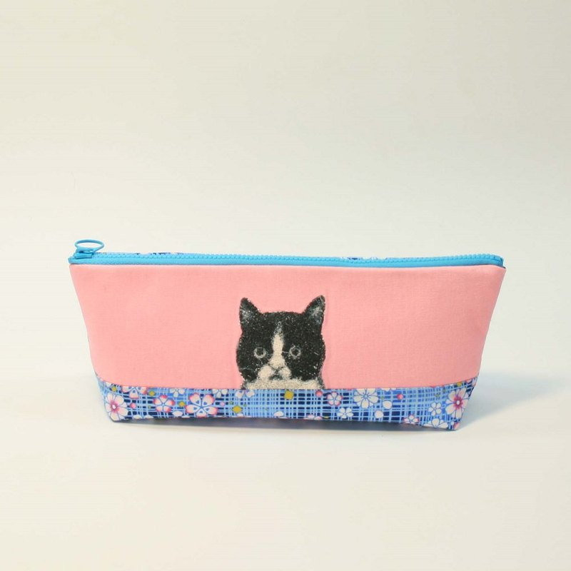 Embroidery Pencil Bag 12 - Black and White Cat