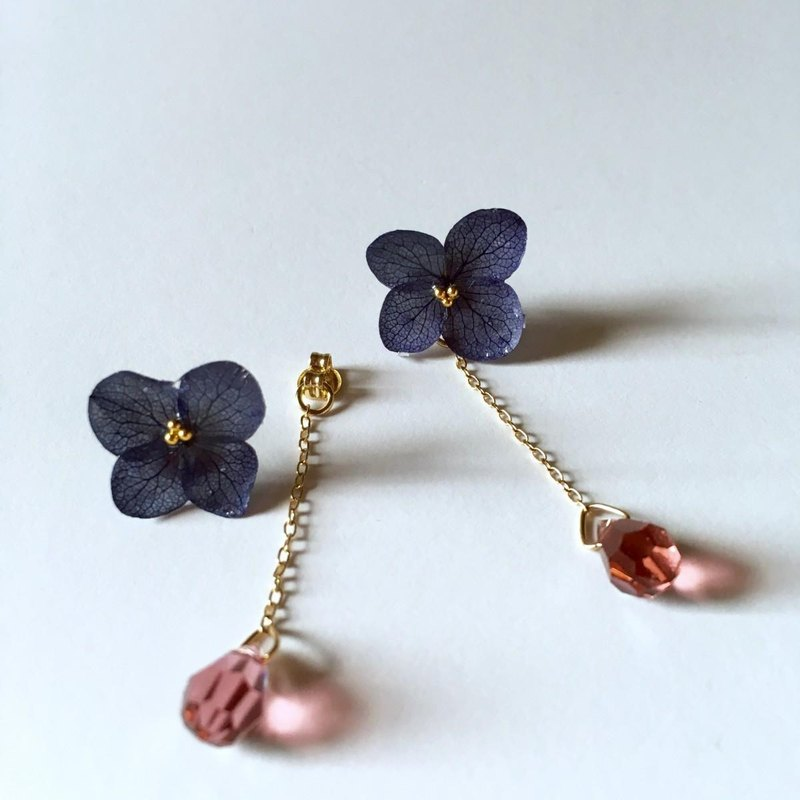 * Navy * Hydrangea's one-ring earrings long