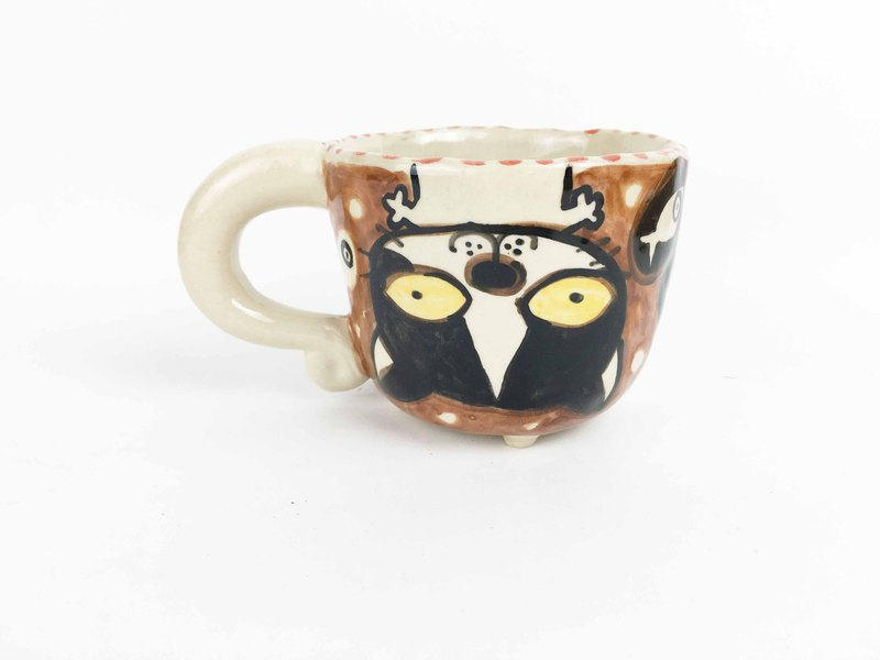 Nice Little Clay small four-legged cup upside down flower cat 0108-05