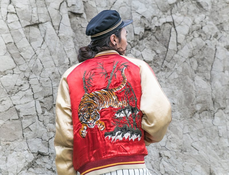 [3thclub Ming Ren Tang] Yokosuka, Japan embroidery coat thick bamboo Lin Shanhu pounds of red and white color SKJ-006