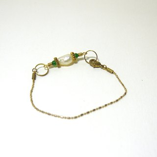 Elegant woman series - brass pearl green agate bracelet (guest system) / brass / bracelet / accessories
