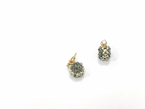 Wheeled Jewelry Ball - Small Wreath Earrings
