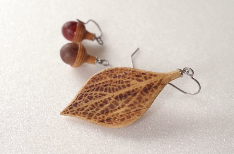 Wooden Leaf and Acorn Earrings : Oak | Color variations available