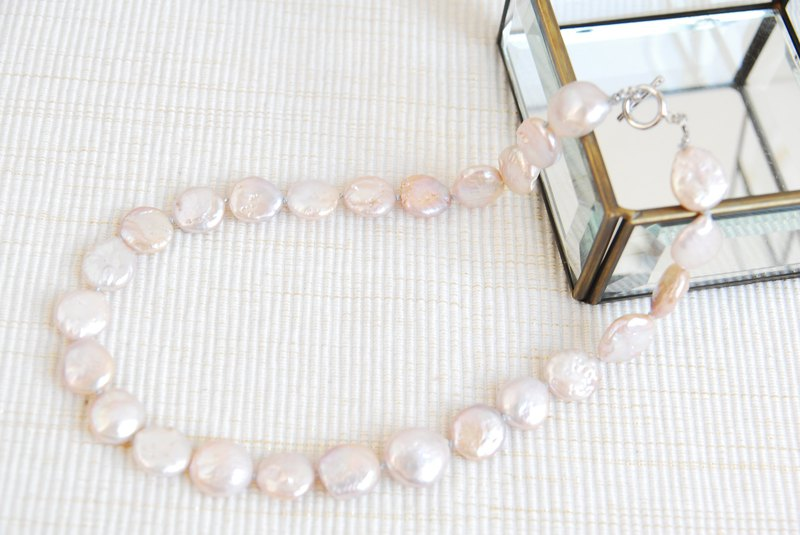 Purple pink coin pearl necklace