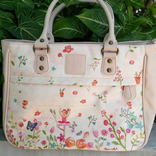 Dancing in the blossom –beige Handbag (Faux leather)