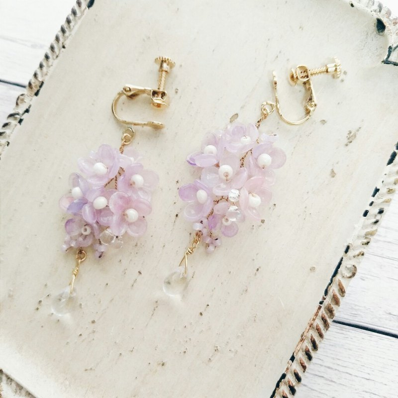 Momolico peach lily bouquet earrings lilac can be changed