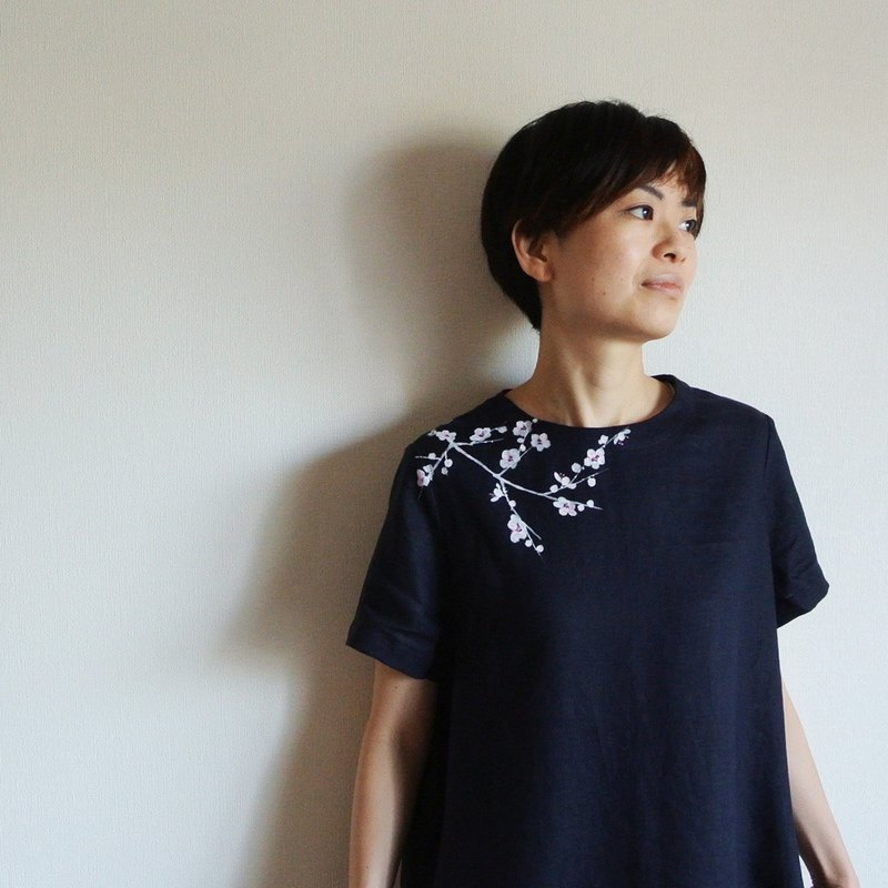 Linen · Short-sleeved dress Navy · White plum
