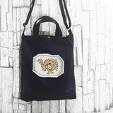 臘腸 黑色-A4手工車縫印製 帆布手提袋/斜背袋/肩背袋