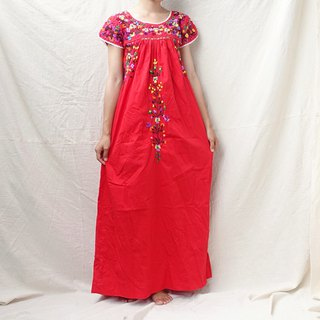 BajuTua / vintage / Mexican Southern style red handmade embroidered lace dress