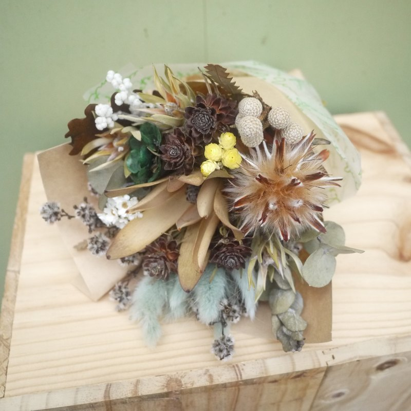 To be continued | retro small dried flower bouquet wedding gift wedding gifts arranged small objects bridesmaid ceremony was small office home layout decorations Stock healing