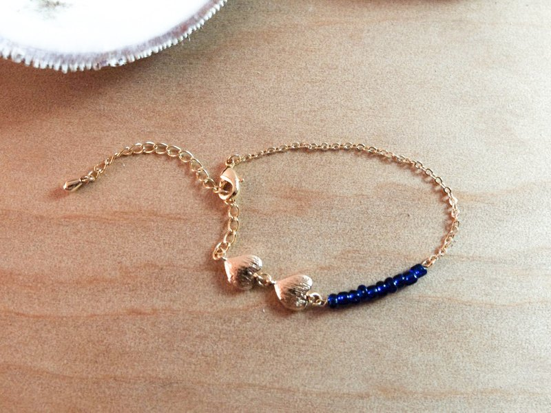 Blue Beads Hearted Bracelet