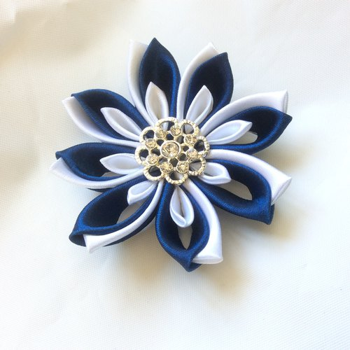 Blue and white Flower clip. Kanzashi Ribbon flower hair clip. Blue and white Kanzashi flower barrette clip . Blue flower duckbill clip.