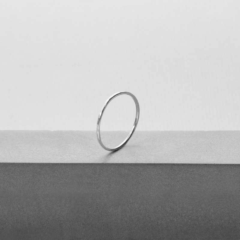 極簡軌跡。極細波紋戒 WAVED ULTRA THIN RING