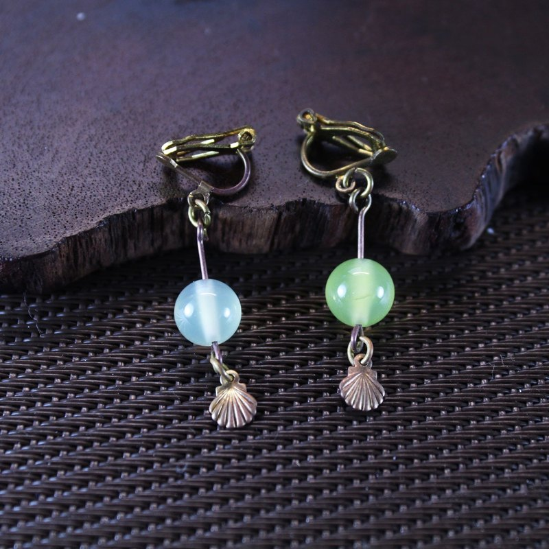 【Collection of gold lake】 Aoba leaves earrings blue shell models | clip-style earrings needle earrings can be changed for sterling silver needles | apple agate | brass | natural stone earrings, Chinese ancient style jewelry E19