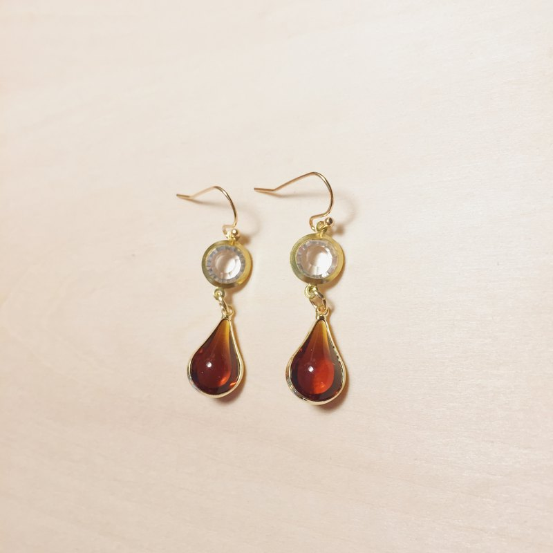 Vintage gold-plated coffee red drop earrings