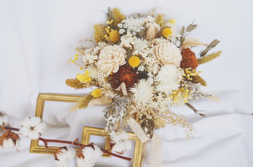 Amor Floral - Forest Department Dry Flower Bridal Bouquet