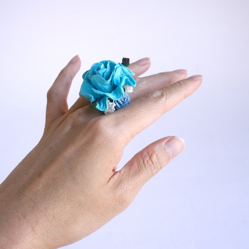Paper flower ring, DIY ring, LUV rose paper ring with small flowers, blue color.