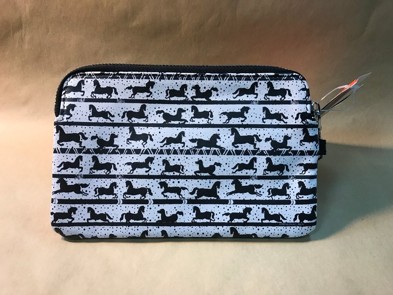 Black and white horse - leather clutch (Minerva X Lv Zhiwen)
